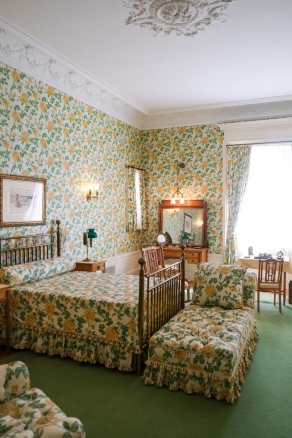 Our favorite room for it's hideousness